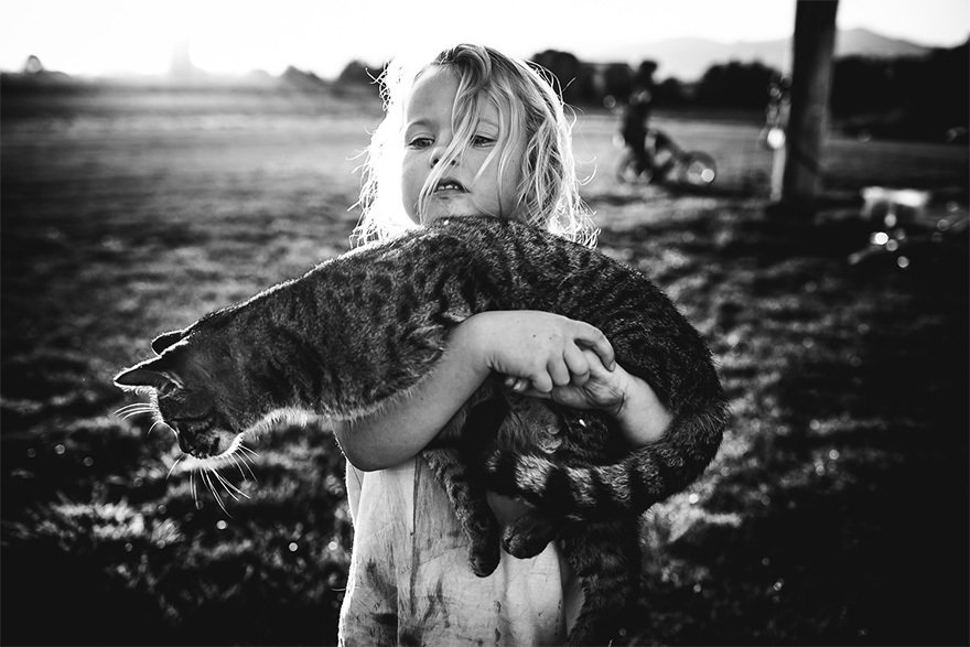 raw-childhood-without-electronic-devices-niki-boon-new-zealand-4