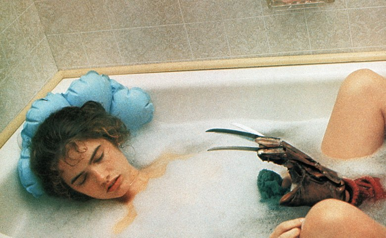 Editorial use only. No book cover usage.Mandatory Credit: Photo by New Line/The Elm Street Venture/Kobal/REX/Shutterstock (5882371h) Heather Langenkamp A Nightmare On Elm Street - 1984 Director: Wes Craven New Line/The Elm Street Venture USA Scene Still Horror Les Griffes de la nuit