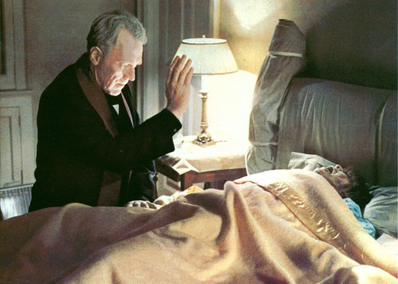 Editorial use only. No book cover usage.Mandatory Credit: Photo by Warner Bros/Hoya Prods./Kobal/REX/Shutterstock (5885474af) Max Von Sydow, Linda Blair The Exorcist - 1973 Director: William Friedkin Warner Bros/Hoya Productions USA Scene Still Horror L
