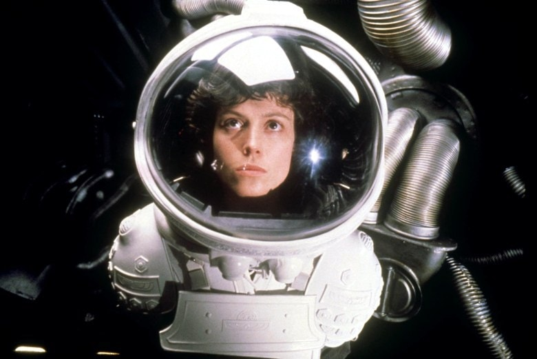 No Merchandising. Editorial Use Only. No Book Cover Usage.Mandatory Credit: Photo by 20th Century Fox/Kobal/REX/Shutterstock (5886256cb)Sigourney WeaverAlien - 1979Director: Ridley Scott20th Century FoxBRITAINScene StillAlien, le huitième passager