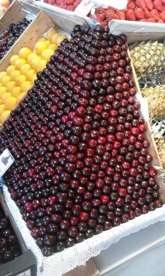 This satisfying fruit stack: