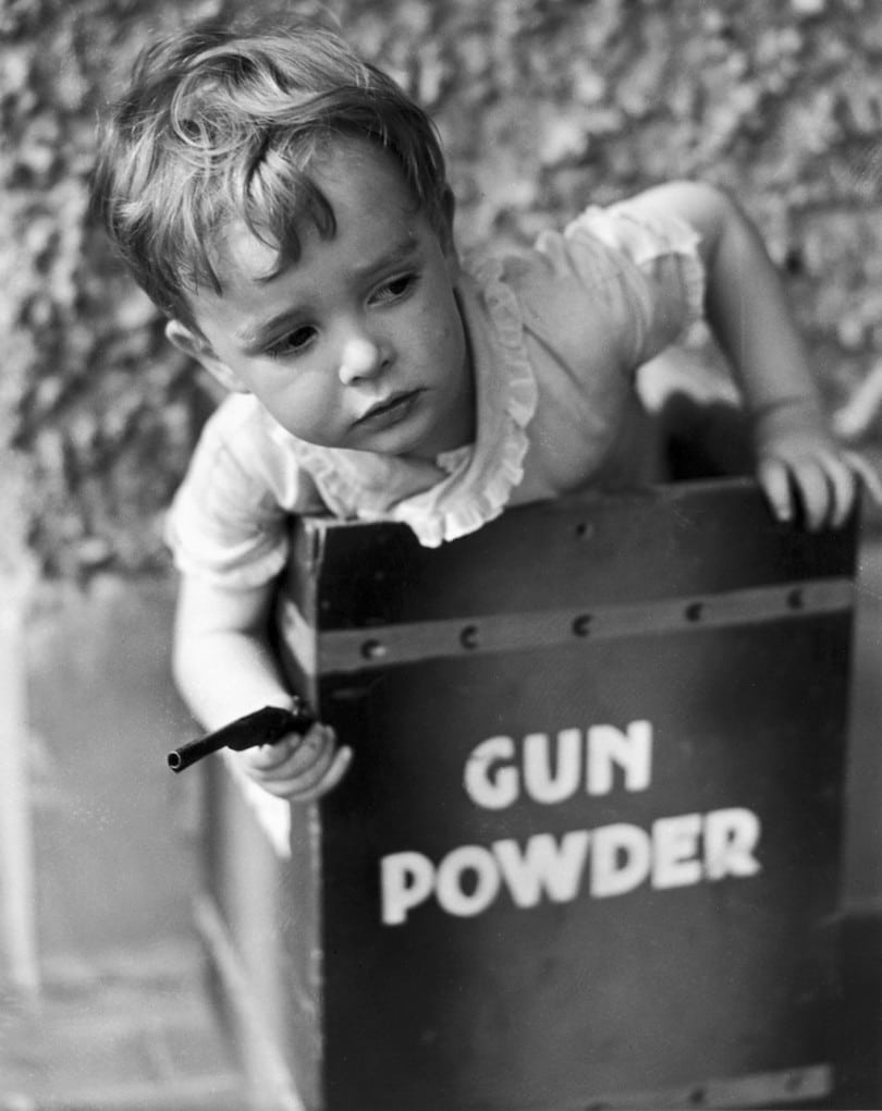 Miniature explosive handguns for toddlers, 1935: