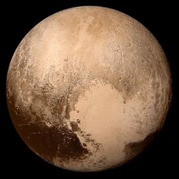 Вся площадь поверхности Плутона будет соответствовать в пределах всей площади поверхности России с запасом.