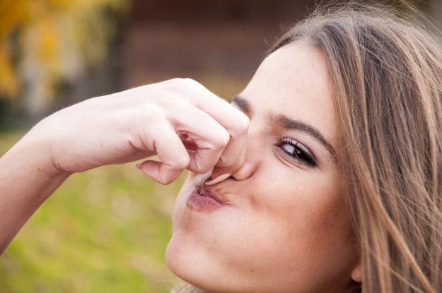 Давайте начинать с малого. Знаете ли вы, что вы не можете напевать, когда вы держите свой нос закрытым?