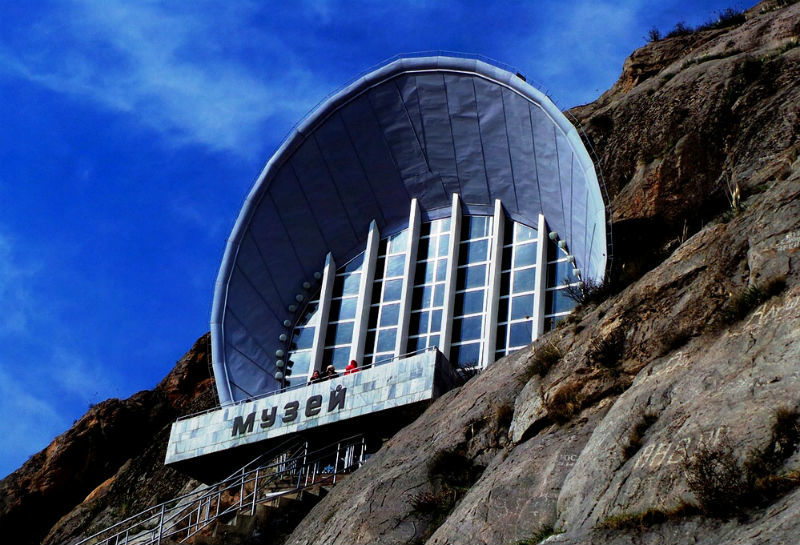 top-15-fantasticheskih-zdaniy-sovetskoy-arhitectury-23