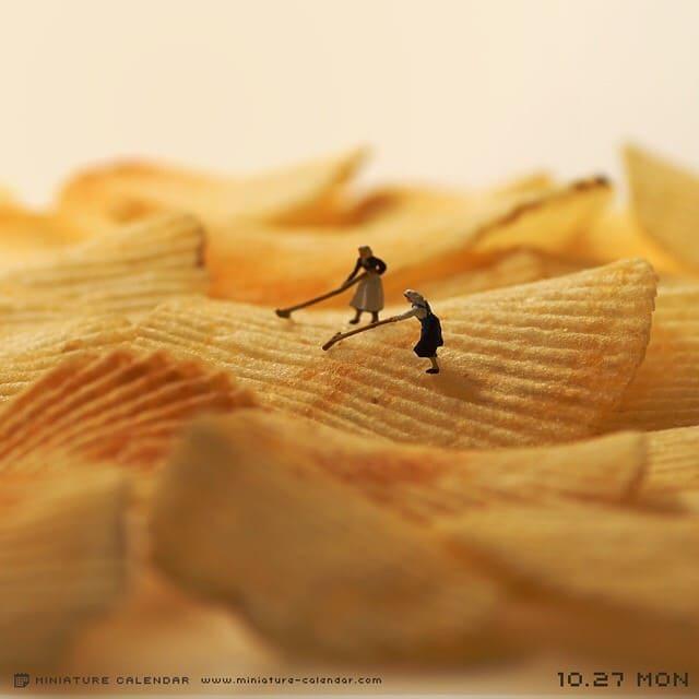 Японский художник создает маленькие миры из повседневных вещей
