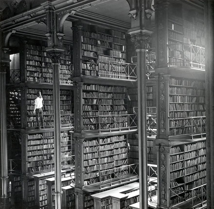 amazing-libraries-4-1__880