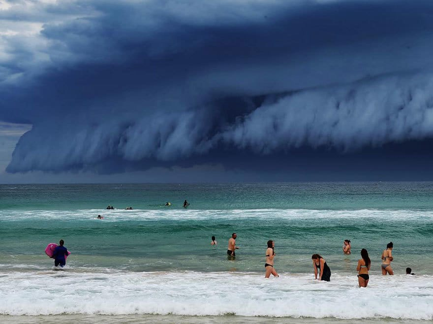 massive-cloud-tsunami-sydney-australia-16