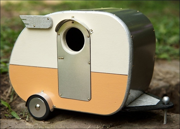 Vintage-Camper-Birdhouse-3
