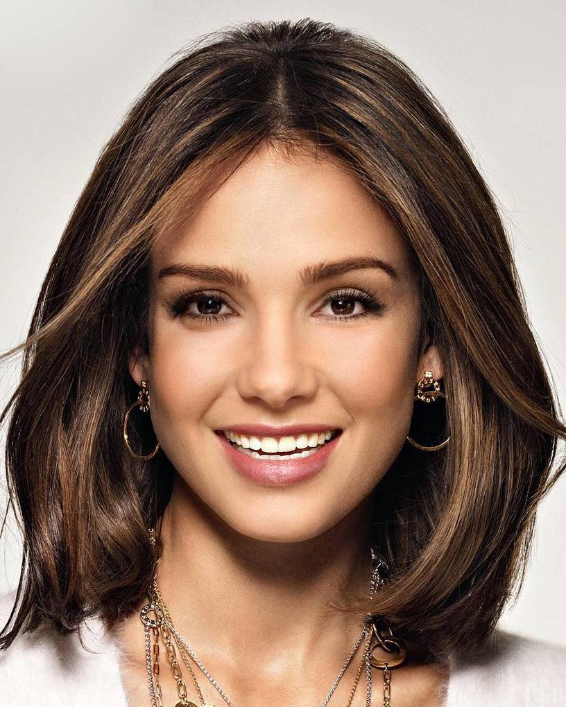 Sandra Bullock mixed with Jessica Alba