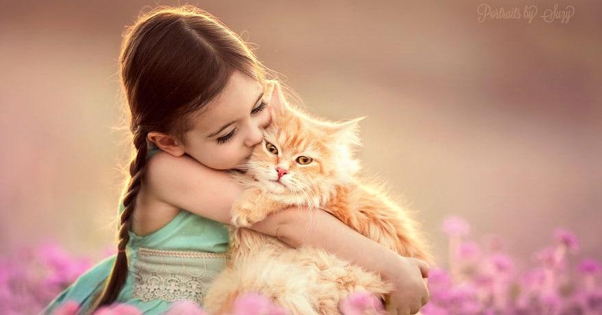 Фотограф делает бесподобные снимки своей дочери с животными