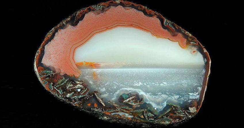 Фантастические пейзажи в кристаллах агата