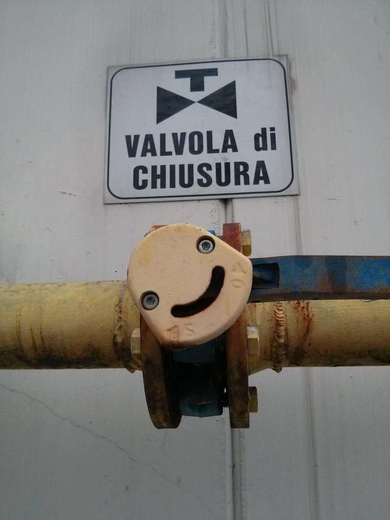 this-overly-attached-valve-photo-u1