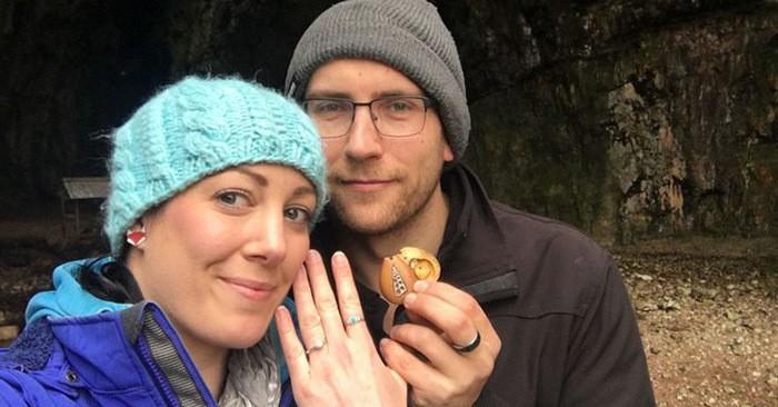 Она носила обручальное кольцо с собой целый год, ничего об этом не подозревая