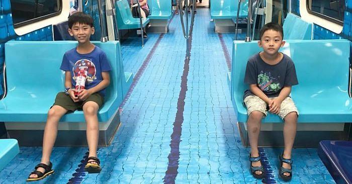 Жители Тайваня были очень удивлены, когда вагоны метро неожиданно превратили в это