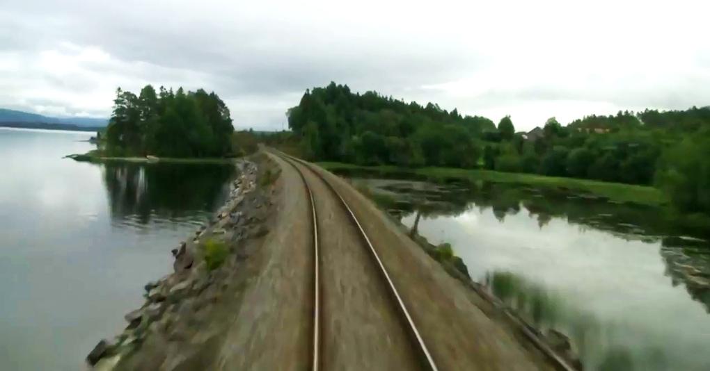 Машинисты поезда выкладывают в сеть видео, на которых почти ничего не происходит, но почему-то многие не могут перестать это смотреть