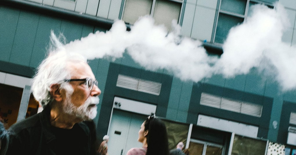 Фотограф на протяжении 10 лет гулял по улицам города с целью поймать необычные кадры. И собрал целую коллекцию удивительных совпадений, которая принесла ему несколько престижных наград