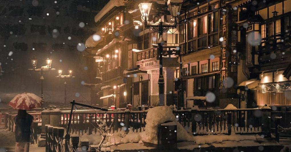 Фотограф сделал серию снимков заснеженной Японии, и теперь мы знаем, кто забрал себе самую красивую зиму