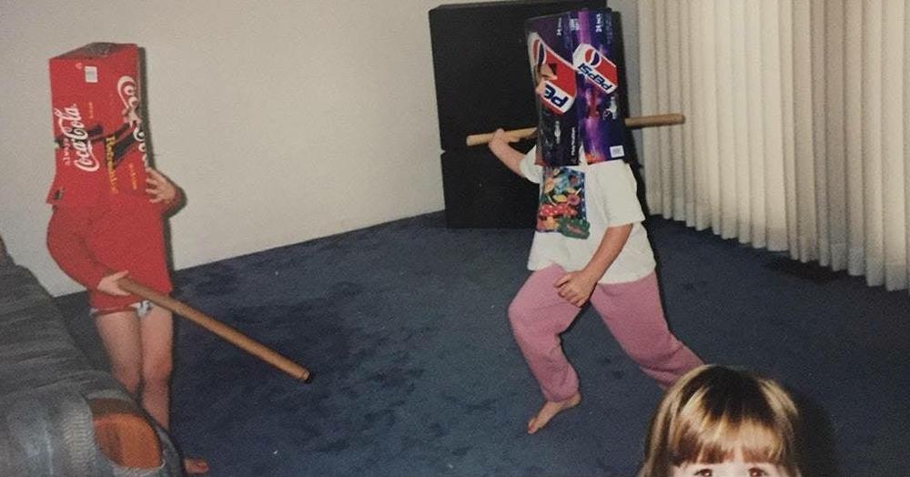 20 странных фотографий из семейных архивов, которые вызывают больше вопросов, чем ответов