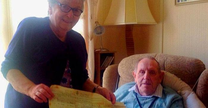 Потерянное любовное письмо чудесным образом вернулось к женщине, которая написала его своему мужу 60 лет назад