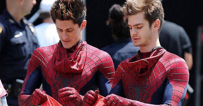 15 снимков актёров супергеройских фильмов со своими дублёрами, которые ничем не уступают им в крутости