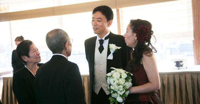 Японские молодожёны могут заказать на свадьбу очень необычную услугу, и из-за неё плакать будут все
