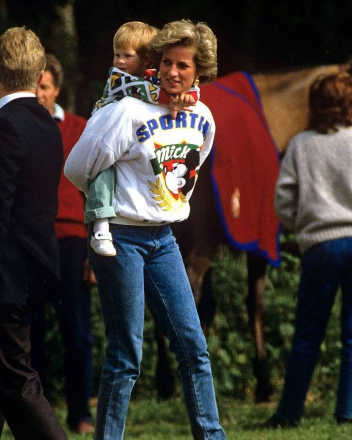 When Lady Diana Took Her Children To Disneyland, She Made Them Wait In Line Like Everybody Else