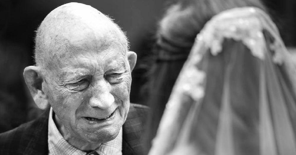 30 эмоциональных моментов, когда отцы впервые увидели своих дочерей в свадебных платьях