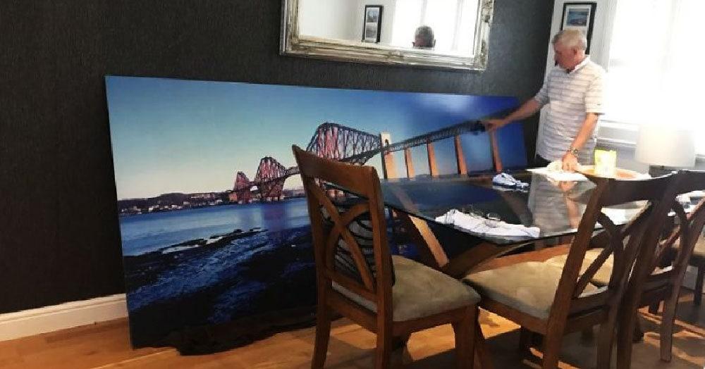 Мужчина купил на аукционе фотографию железнодорожного моста. И только придя домой, он осознал свою ошибку