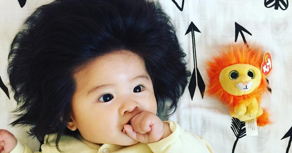Этой девочке всего 6 месяцев, но её причёске уже можно позавидовать. И нет, это не парик!