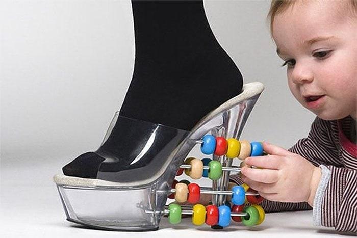 25 странных дизайнов обуви, которые пройдутся по вашему чувству вкуса, как по асфальту 4
