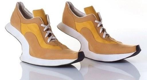 25 странных дизайнов обуви, которые пройдутся по вашему чувству вкуса, как по асфальту 10