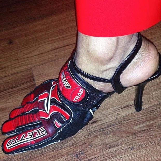 25 странных дизайнов обуви, которые пройдутся по вашему чувству вкуса, как по асфальту 9