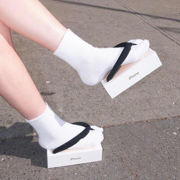 25 странных дизайнов обуви, которые пройдутся по вашему чувству вкуса, как по асфальту 14