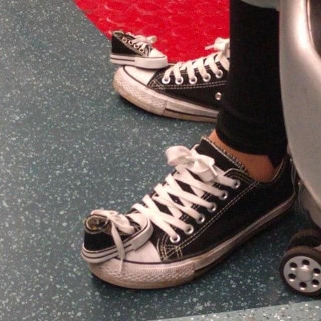 25 странных дизайнов обуви, которые пройдутся по вашему чувству вкуса, как по асфальту 23