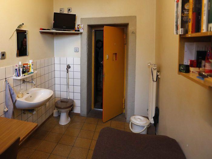 Ландсбергская тюрьма, Ландсберг-Ам-Лех, Германия