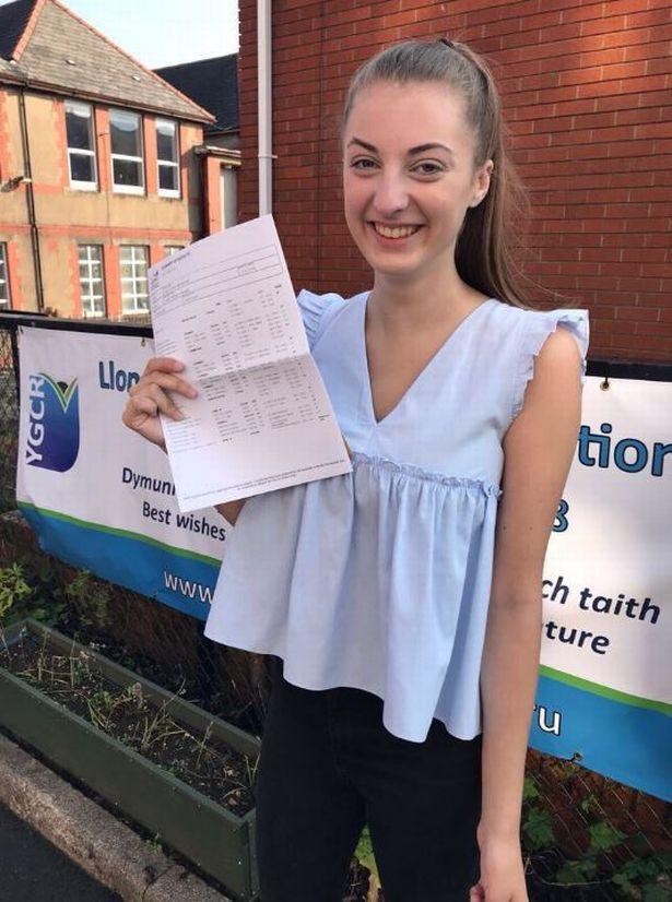 Отец пообещал девушке 100 фунтов за каждый высший балл на экзамене. И он явно её недооценивал
