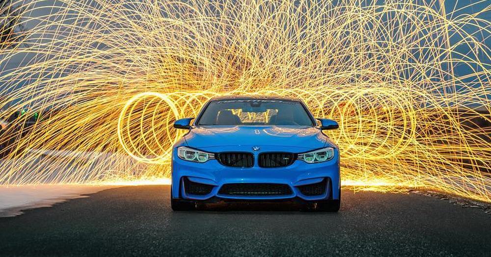 Война брендов продолжается: Audi подколол BMW за новый рекламный плакат, но там нашли, что ответить