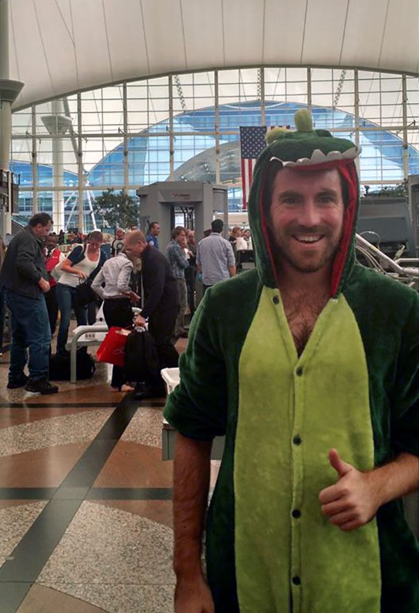 Lost A Bet And Had To Go Through Airport Security Dressed As A Dinosaur (TSA Said I Looked Cute)