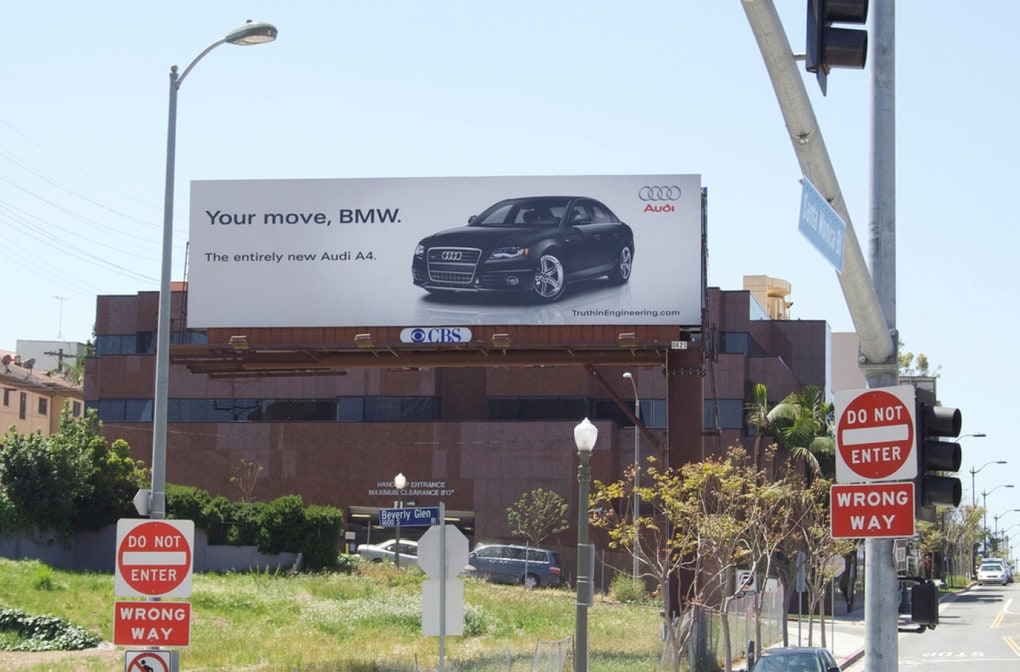 Война брендов продолжается: Audi подколол BMW за новый рекламный плакат, но там нашли, что ответить 12