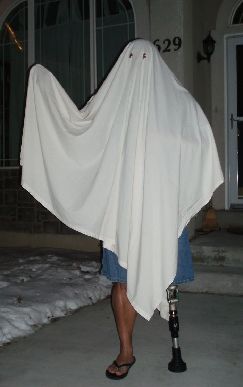 dad waves at school bus trolls son costumes 5b83e89c25728  700 - Сыну было неловко, что отец провожает его в школу, и он попросил не делать так. Папа воспринял это как вызов