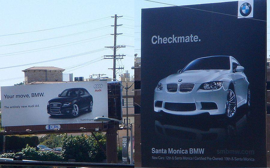Война брендов продолжается: Audi подколол BMW за новый рекламный плакат, но там нашли, что ответить 13
