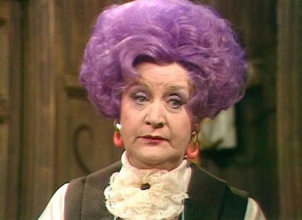 Почему бабушки красят волосы в фиолетовый цвет? 4