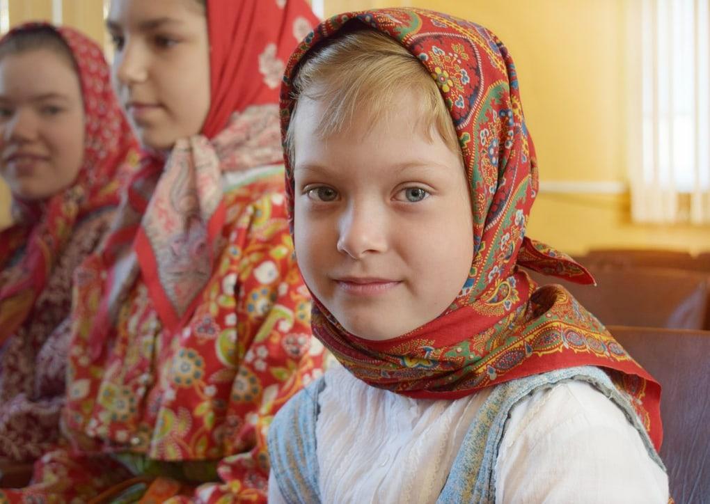 Помните странную фотосессию Vogue в деревне Чикинская? Так вот, местные жители дали ей свой ответ