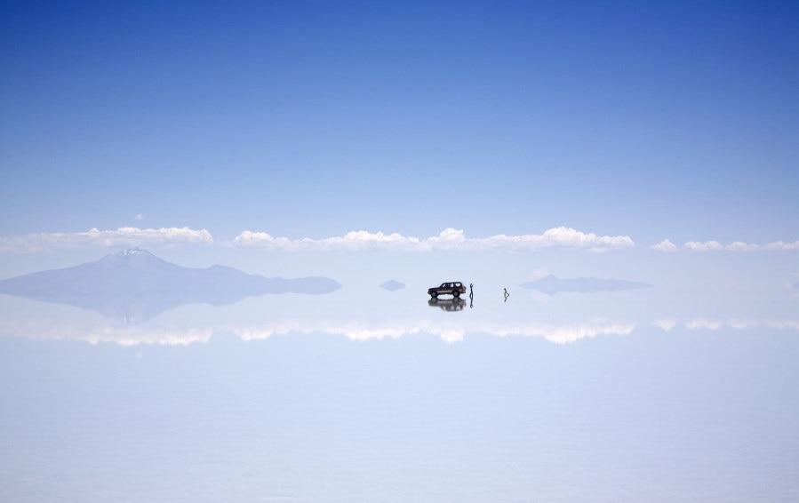o salt flat bolivia 900 1 - 15 явлений природы, из-за которых можно подумать, что у неё есть свой собственный фотошоп