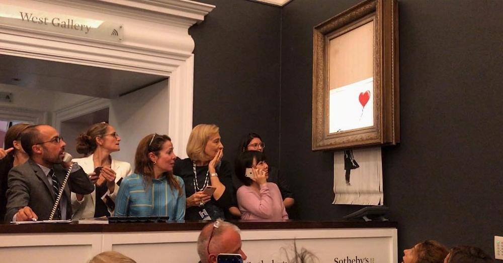 Странный случай на аукционе: картина Бэнкси самоуничтожилась сразу после того, как была продана