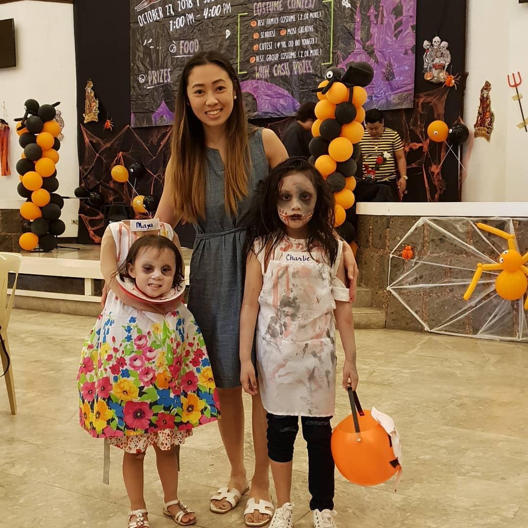 Мама сделала для дочери устрашающий костюм на Хеллоуин. Из-за этого ребёнок буквально потерял голову