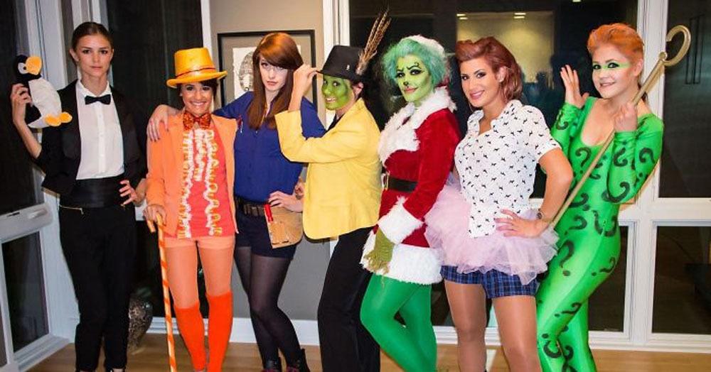 Подружки каждый год одеваются в костюмы героев, которых играл один актёр. Звучит сложно, но выглядит круто!