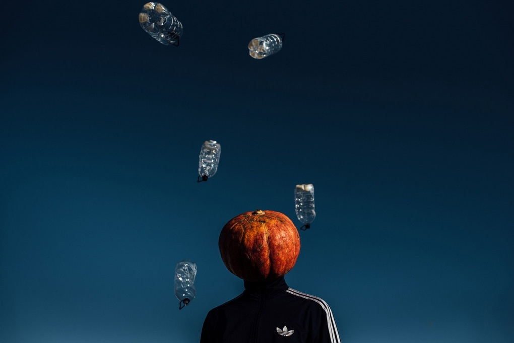 Фотограф из Новосибирска добавила России немного Хеллоуина и создала Тыкваря — парня с тыквой на голове 3