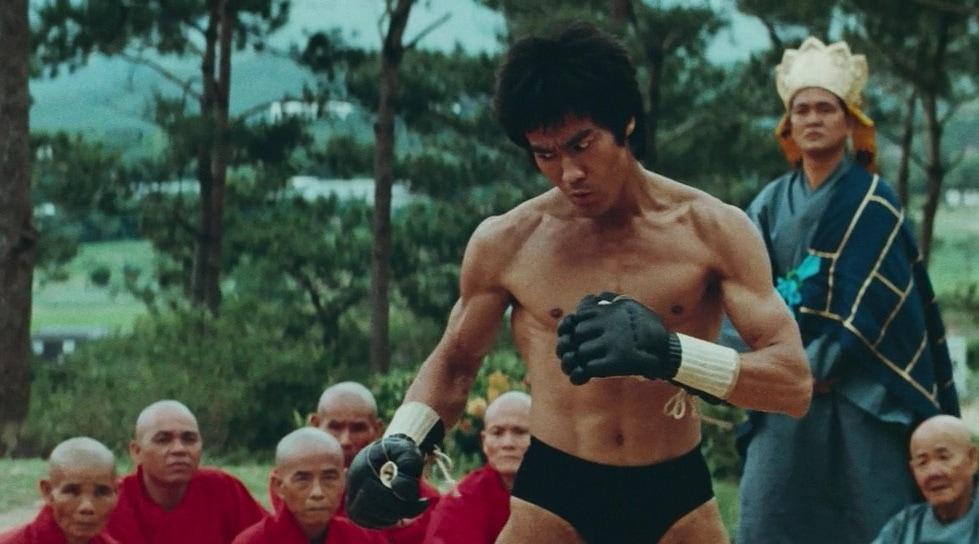 10 лучших фильмов Брюса Ли: актёра с сердцем дракона 5